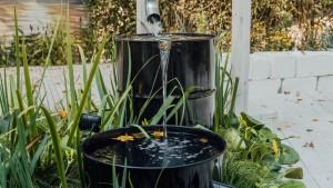 Regentonne für die Bewässerung des Gartens