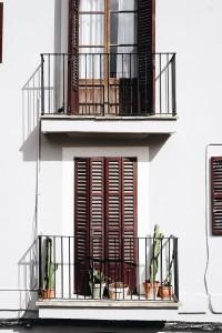 Wie Sie kleine Terrassen und Balkone optimal nutzen