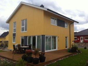 Bild: Ranafjord Bauweise: Bau vor Ort, traditioneller Hausbau Bauart: Holzhaus, Holzständerwerk