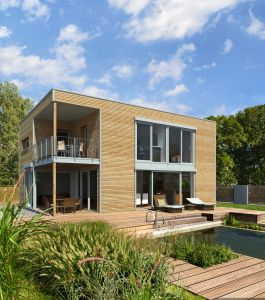 Bild: Bauhaus  Bauweise: Fertighaus, industrielle Vorfertigung Bauart: Holzhaus, Fachwerk