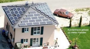 Bild: Gebaute Häuser (Beispiele) Bauweise: Fertighaus, industrielle Vorfertigung Bauart: Holzhaus, Fachwerk