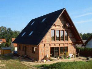 Bild: Referenz 13 Bauweise: Bau vor Ort, traditioneller Hausbau Bauart: Holzhaus, Blockhaus